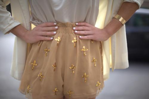 564166-cruzes-na-moda-roupas-acessorios-2